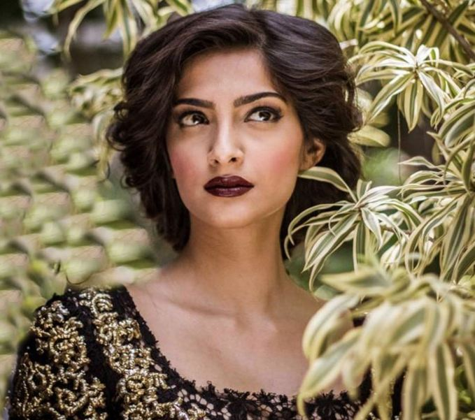 Sonam-Kapoor-Hairstyle-Images